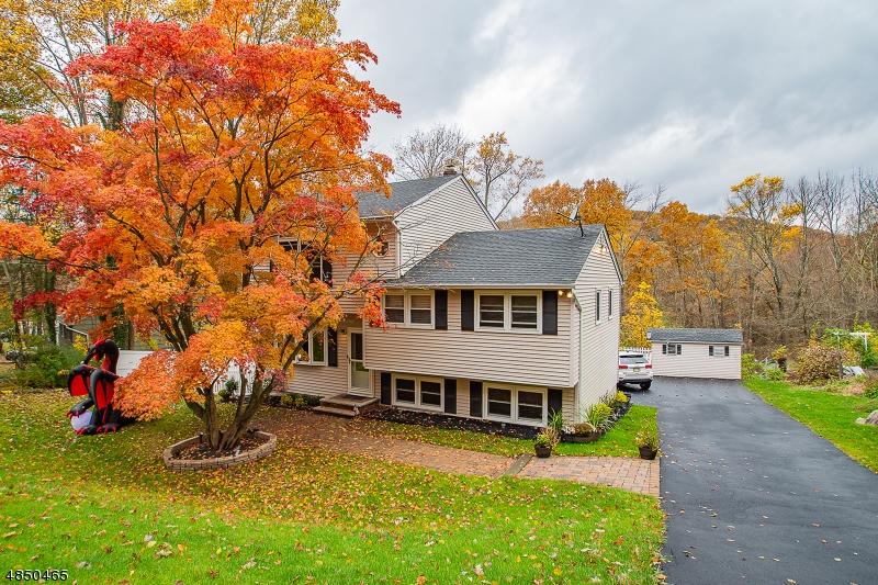 Casa Unifamiliar por un Venta en 154 KIEL Avenue Kinnelon, Nueva Jersey 07405 Estados Unidos
