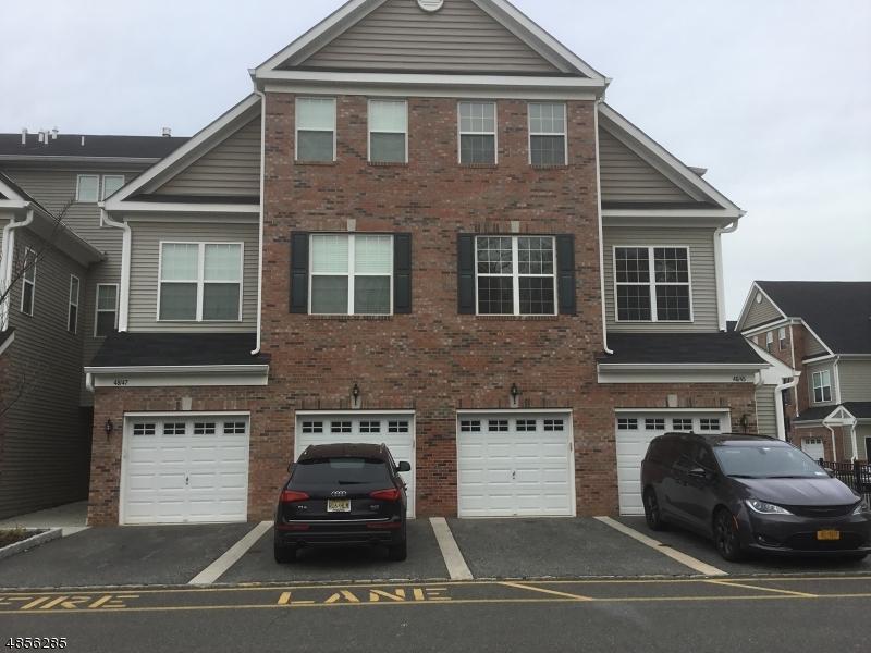 Condo / Townhouse pour l à louer à 47 STATION SQ Union, New Jersey 07083 États-Unis