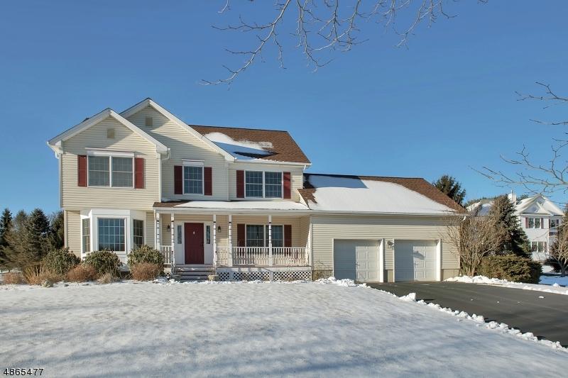 Enfamiljshus för Försäljning vid 18 BLACKBERRY Place Washington, New Jersey 07853 Förenta staterna