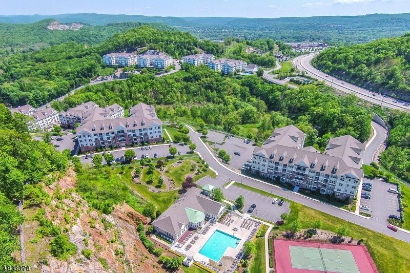 Кондо / дом для того Продажа на 1415 WHARTON Court Riverdale, Нью-Джерси 07457 Соединенные Штаты