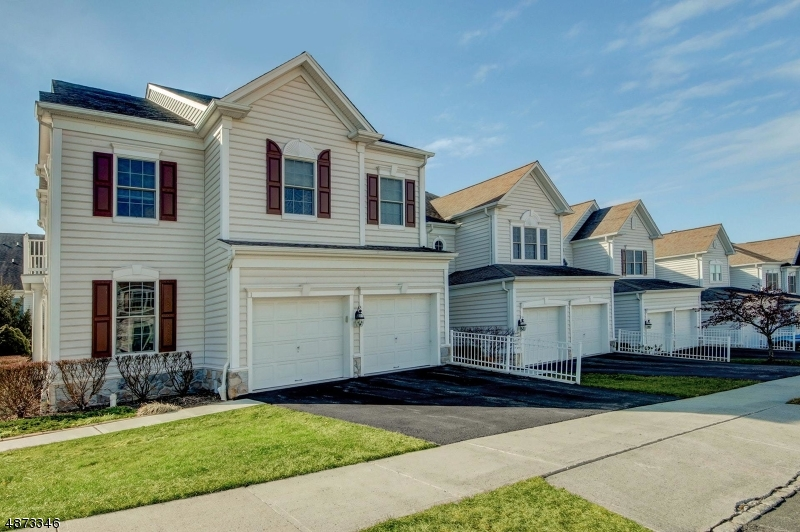 Condo / Townhouse for Sale at 1 CONGRESSIONAL Lane Totowa, New Jersey 07512 United States