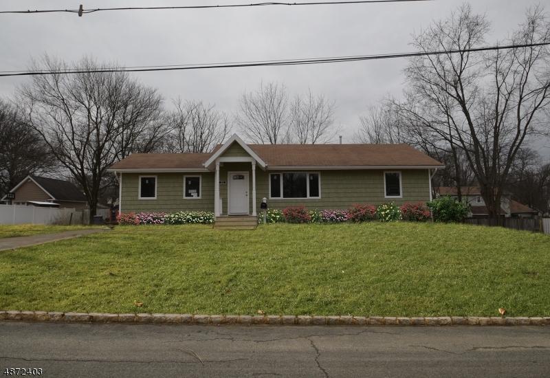 Maison unifamiliale pour l Vente à 26 CENTRAL Avenue Mine Hill, New Jersey 07803 États-Unis