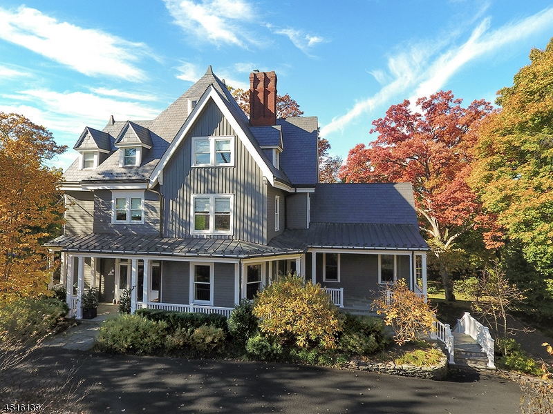 Single Family Home for Sale at 7 EDGEWOOD RD Summit, New Jersey 07901 United States