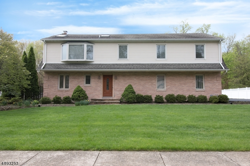 Single Family Home for Sale at Waldwick, New Jersey 07463 United States