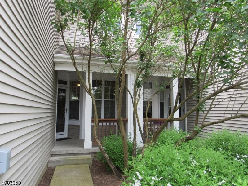 公寓 / 联排别墅 为 销售 在 Lopatcong, 新泽西州 08886 美国