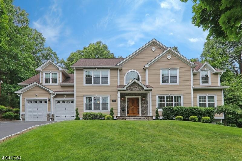 Single Family Homes için Satış at Mountainside, New Jersey 07092 Amerika Birleşik Devletleri