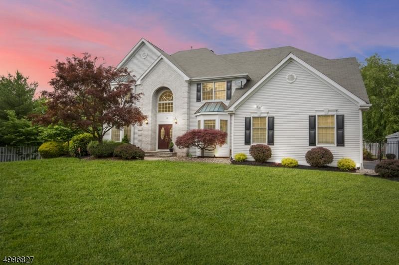 Single Family Homes voor Verkoop op Branchburg, New Jersey 08876 Verenigde Staten