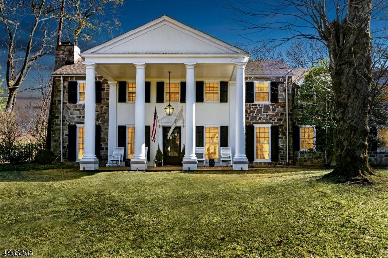 Single Family Homes für Verkauf beim Plainfield, New Jersey 07060 Vereinigte Staaten