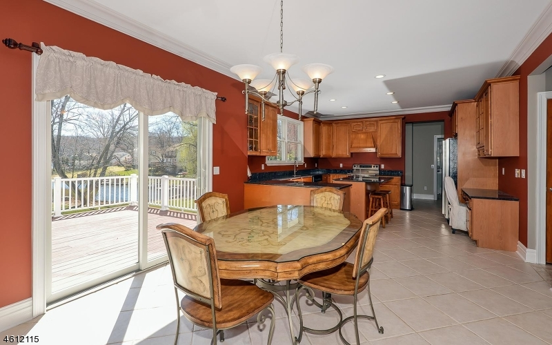 Additional photo for property listing at 636 W Shore Trail  Sparta, Nueva Jersey 07871 Estados Unidos