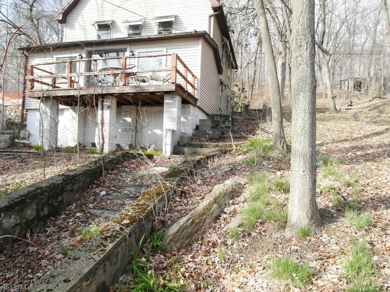 Additional photo for property listing at 16 Stonehenge Road  Lake Hopatcong, Nueva Jersey 07849 Estados Unidos