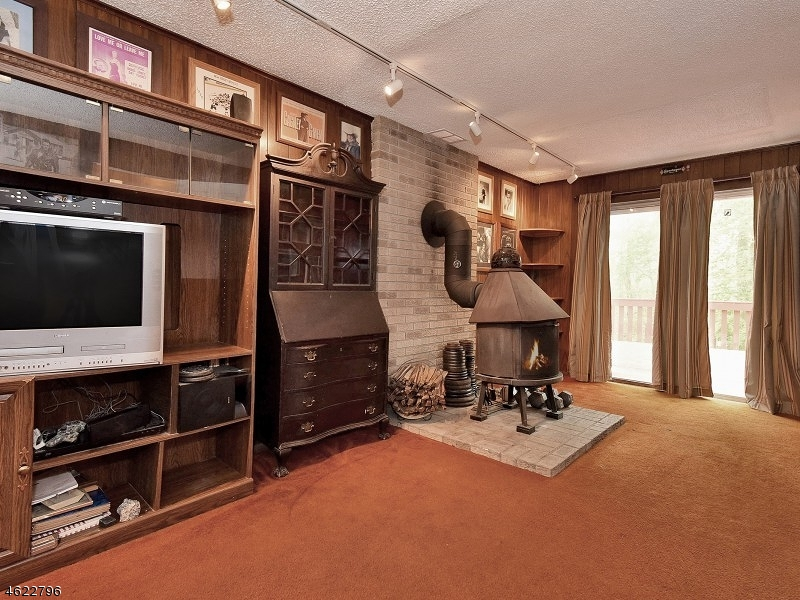 Additional photo for property listing at 11 BERGEN HILL ROAD  Rockaway, 新泽西州 07866 美国
