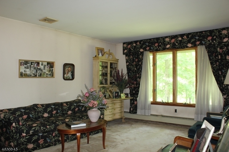 Additional photo for property listing at 126 Burnt Meadow Road  Ringwood, New Jersey 07456 United States