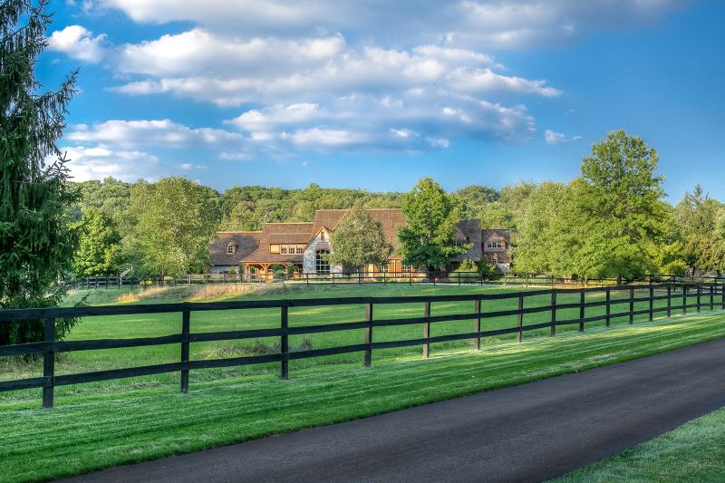 Частный односемейный дом для того Продажа на 100 Lake Road Far Hills, 07931 Соединенные Штаты