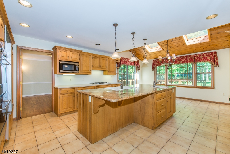 Additional photo for property listing at 25 Edward Court  Basking Ridge, New Jersey 07920 États-Unis