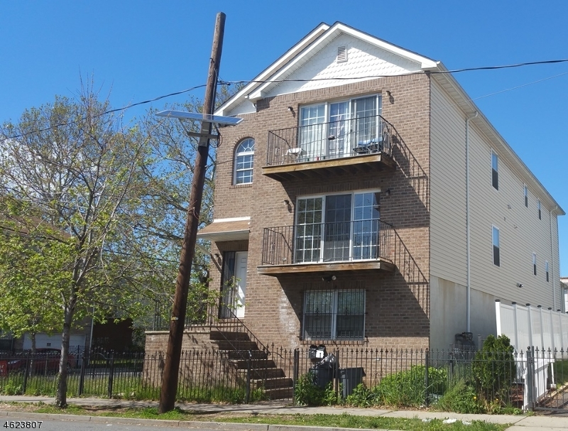 Additional photo for property listing at 367-369 HAWTHORNE Avenue  Newark, New Jersey 07112 États-Unis