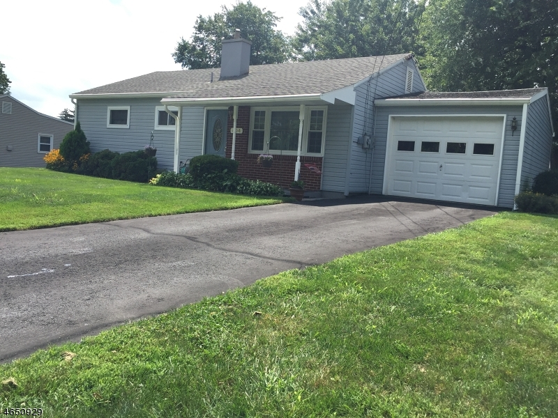 Additional photo for property listing at 404 Brakeley Avenue  Phillipsburg, New Jersey 08865 United States