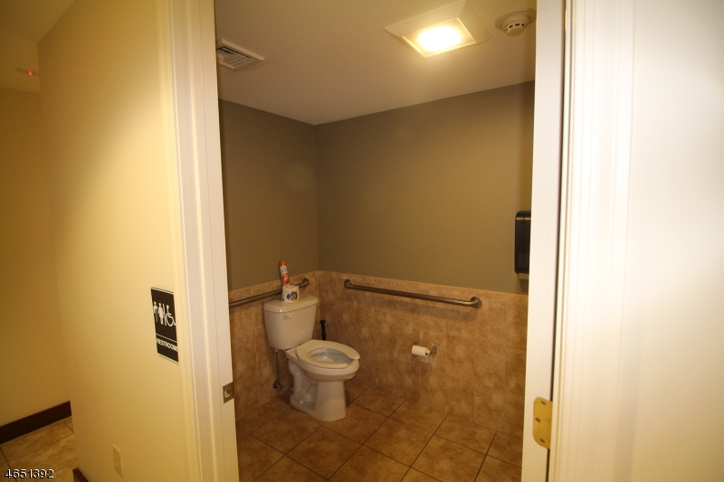 Additional photo for property listing at 5 Walter E Foran Blvd  Raritan, New Jersey 08822 United States