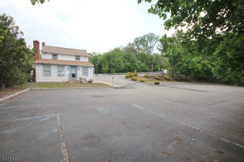 Additional photo for property listing at 20 PARISH Drive  Wayne, New Jersey 07470 États-Unis