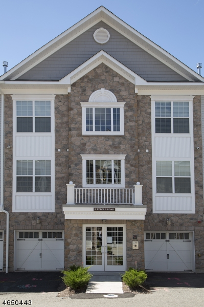 Single Family Home for Sale at 9 Pebble Rd, D1 Woodland Park, New Jersey 07424 United States