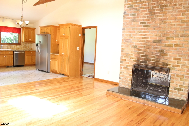 Additional photo for property listing at 1925 Burnt Mills Road  Bedminster, New Jersey 07921 États-Unis