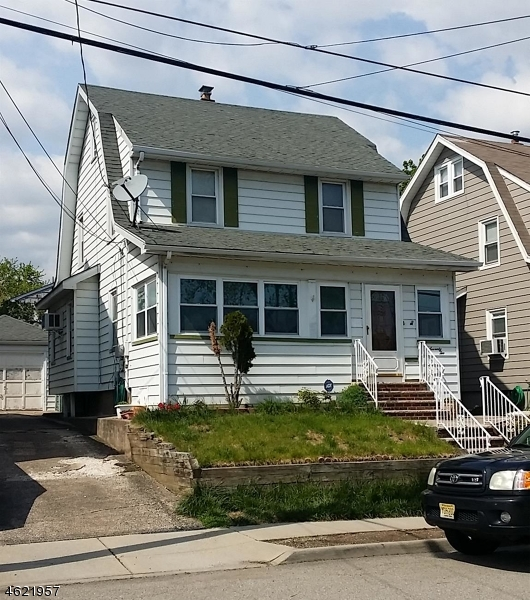 独户住宅 为 销售 在 72 E 8th Street 克利夫顿, 新泽西州 07011 美国