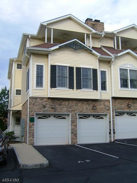 Maison unifamiliale pour l Vente à 91 Roseland Avenue Caldwell, New Jersey 07006 États-Unis