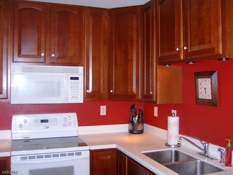 Additional photo for property listing at 91 Roseland Avenue  Caldwell, New Jersey 07006 États-Unis