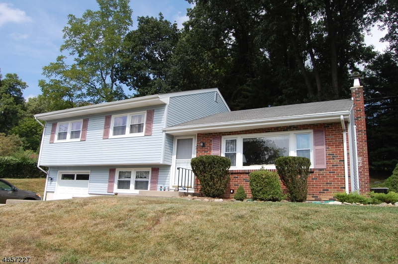 Additional photo for property listing at 7 Maplewood Road  Milford, New Jersey 08848 États-Unis