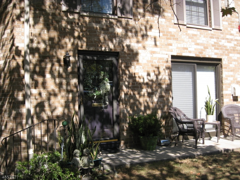 Additional photo for property listing at 181 Long Hill Rd 8-9  Little Falls, Nueva Jersey 07424 Estados Unidos