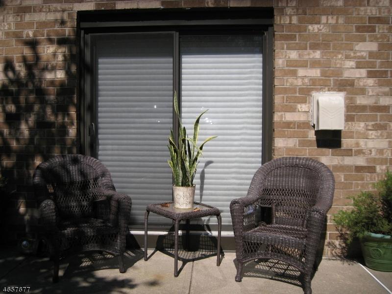 Additional photo for property listing at 181 Long Hill Rd 8-9  Little Falls, Нью-Джерси 07424 Соединенные Штаты