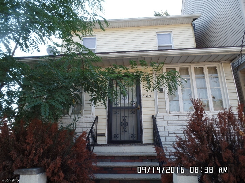 Additional photo for property listing at 585 E 30th Street  Paterson, New Jersey 07513 États-Unis