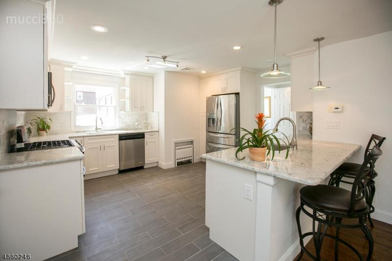 Additional photo for property listing at 58 Grayson Place  Teaneck, Нью-Джерси 07666 Соединенные Штаты