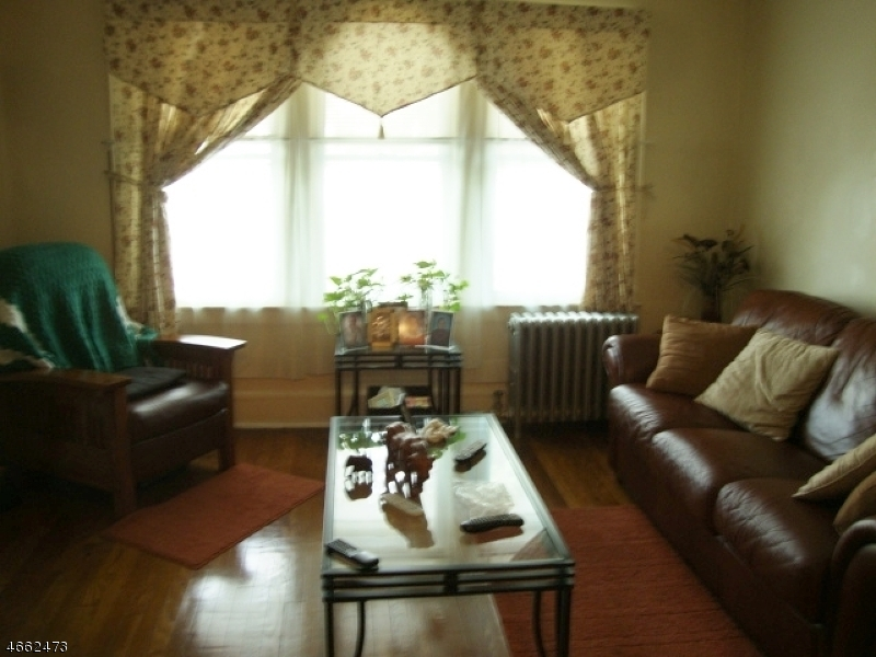 Additional photo for property listing at 534 Morris Street  Orange, New Jersey 07050 États-Unis