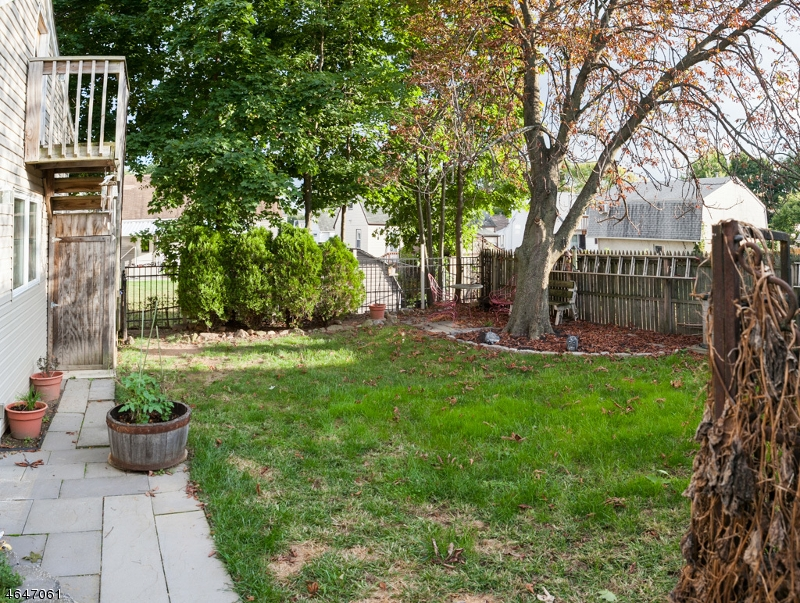 Additional photo for property listing at 18 MEADOW Drive  Totowa Boro, New Jersey 07512 United States