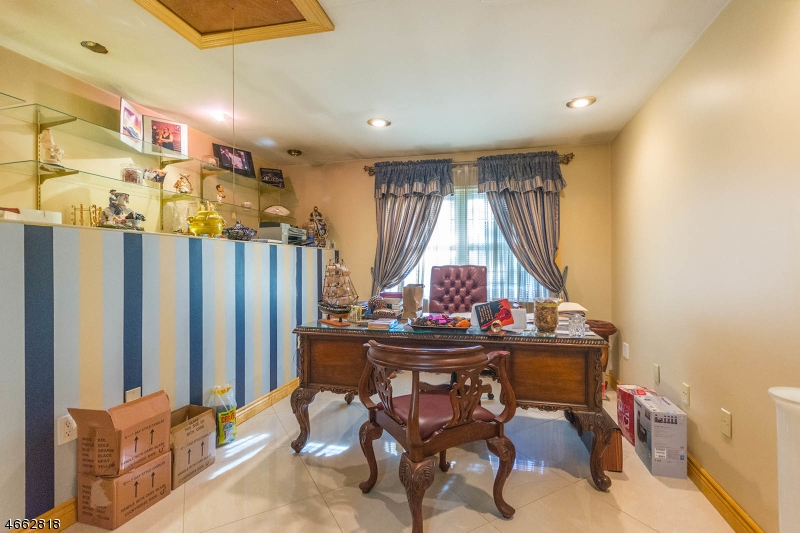 Additional photo for property listing at Address Not Available  纽瓦克市, 新泽西州 07104 美国