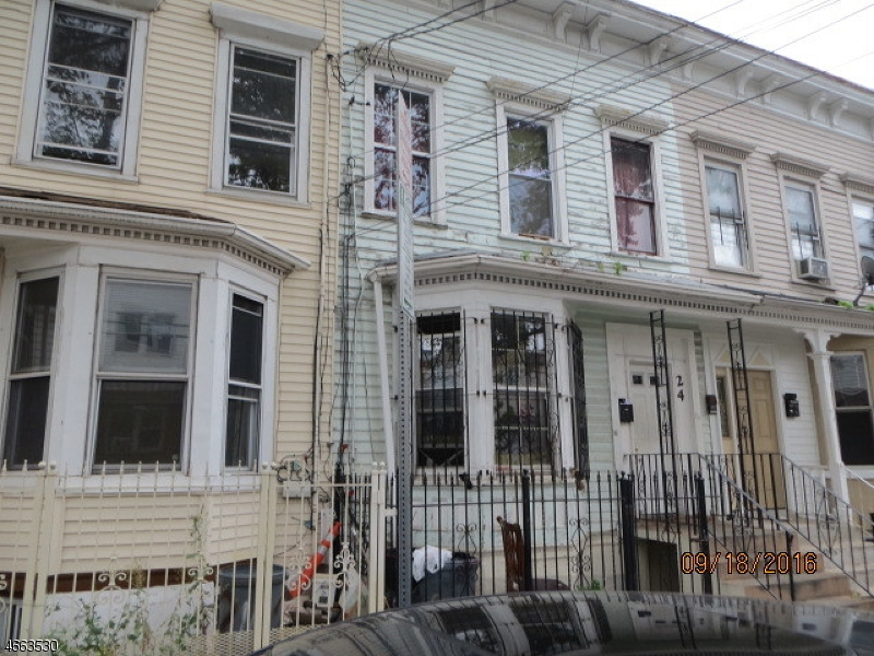 Additional photo for property listing at 106 Highland Avenue  Newark, New Jersey 07104 États-Unis