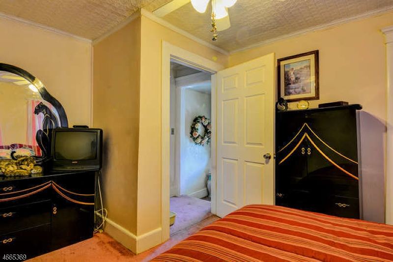 Additional photo for property listing at 58 S 2nd Street  Fords, Нью-Джерси 08863 Соединенные Штаты