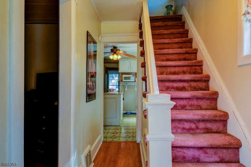 Additional photo for property listing at 58 S 2nd Street  Fords, Nueva Jersey 08863 Estados Unidos