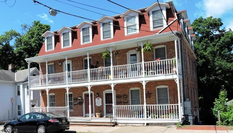 Частный односемейный дом для того Аренда на 49-51 WALL ST APT 7 Rockaway, 07866 Соединенные Штаты