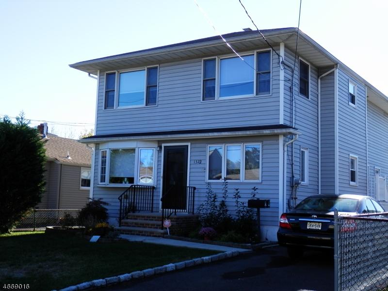 Частный односемейный дом для того Аренда на 1322 Emma Place Linden, 07036 Соединенные Штаты