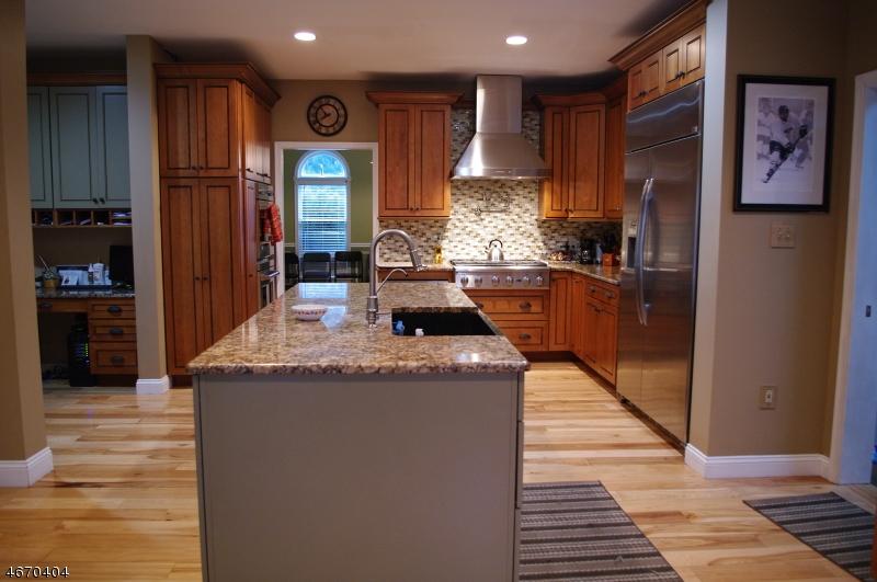 Casa Unifamiliar por un Venta en 85 Greendell Road Newton, Nueva Jersey 07860 Estados Unidos