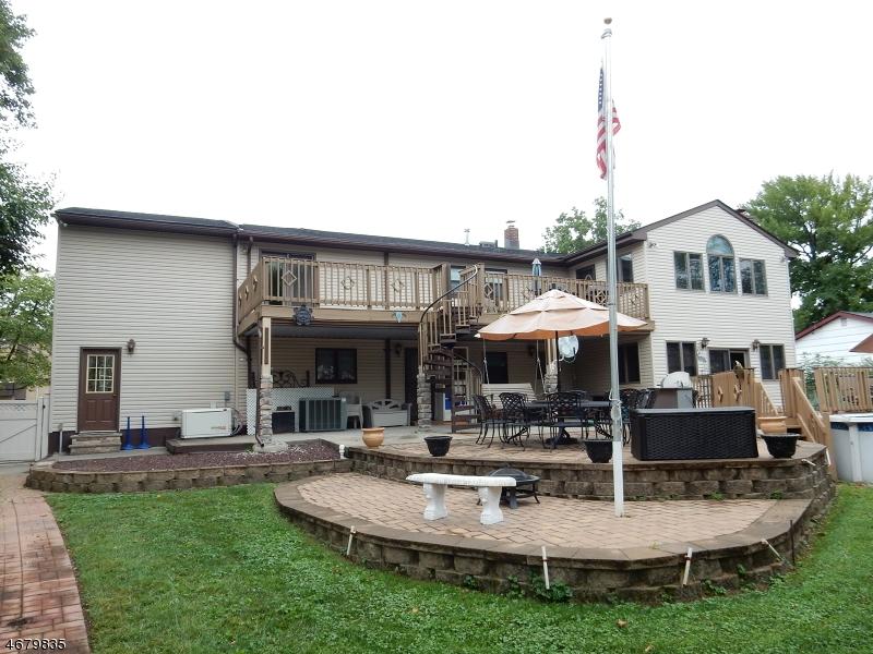 Частный односемейный дом для того Продажа на 716 Raritan Road Clark, 07066 Соединенные Штаты