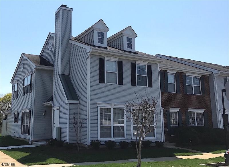 Частный односемейный дом для того Продажа на 160 Setter Place Howell, Нью-Джерси 07728 Соединенные Штаты