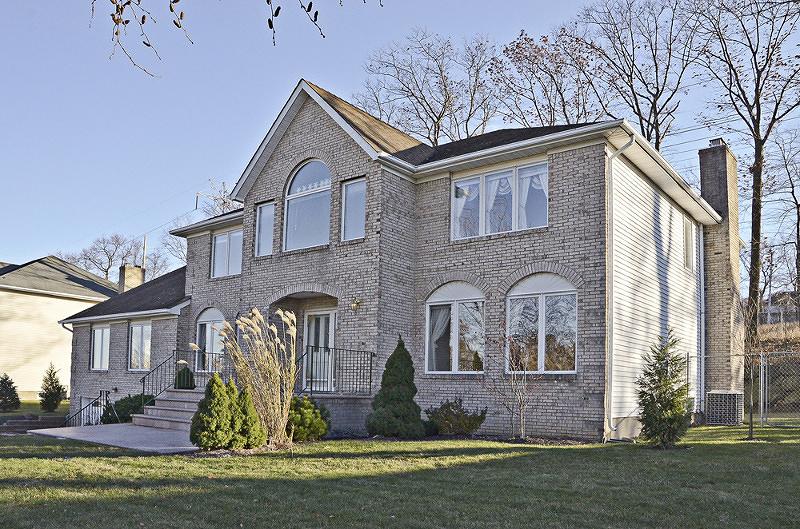 Частный односемейный дом для того Продажа на 40 Continental Road Morris Plains, 07950 Соединенные Штаты