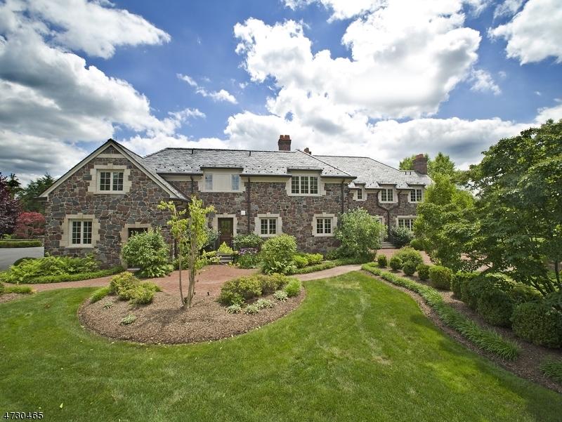 独户住宅 为 销售 在 8 Hunting Court 巴思金里奇, 07920 美国