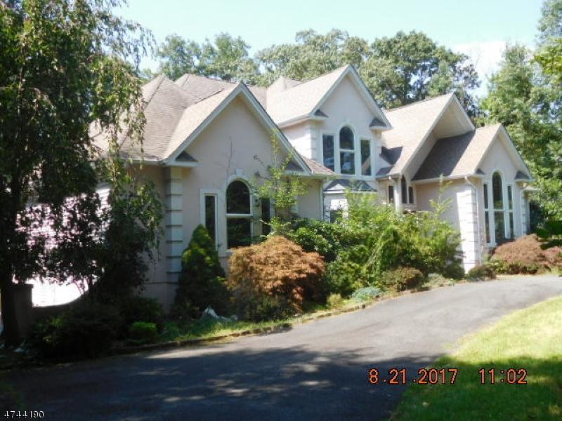 Casa Unifamiliar por un Venta en 122 Edison Road Sparta, Nueva Jersey 07871 Estados Unidos