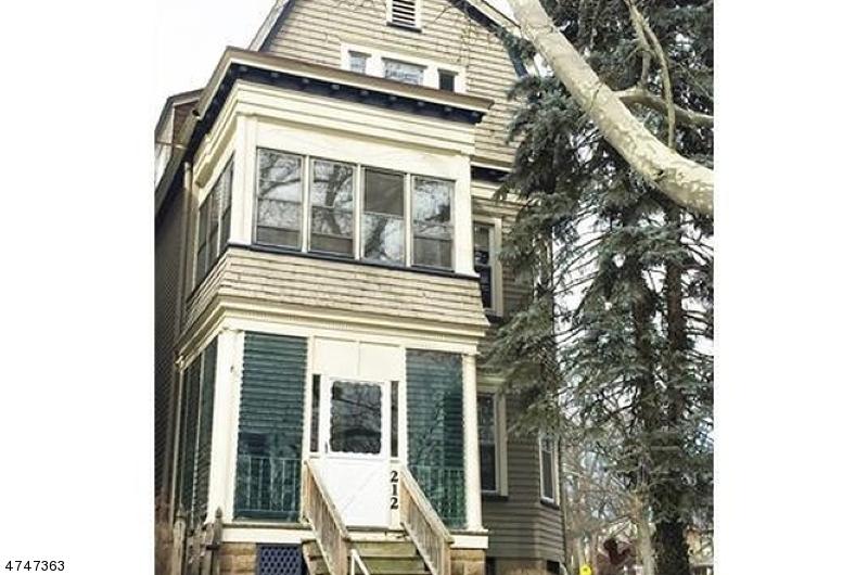 Многосемейный дом для того Продажа на 212 Hillside Avenue Glen Ridge, Нью-Джерси 07028 Соединенные Штаты