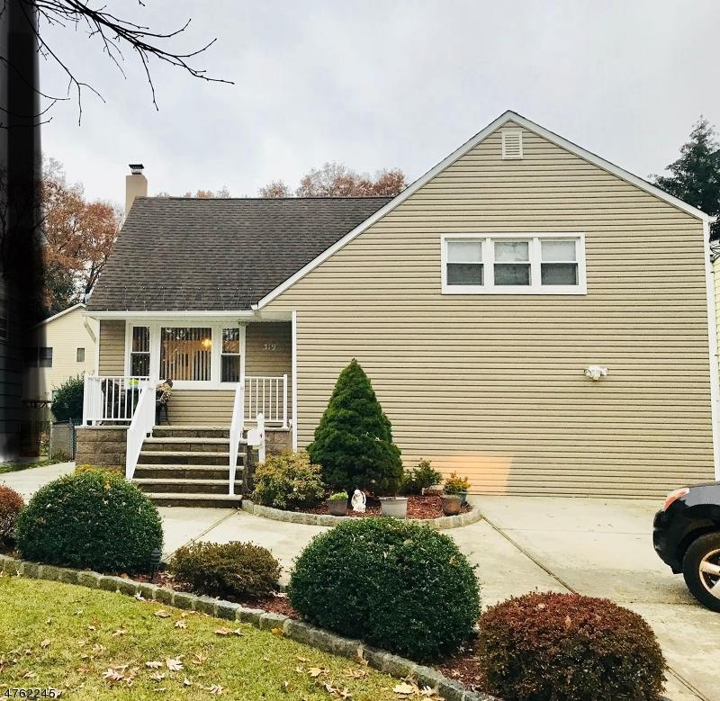 独户住宅 为 销售 在 319 Boulevard Kenilworth, 新泽西州 07033 美国