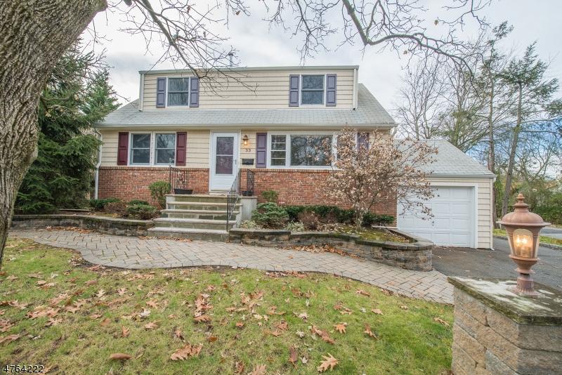 Casa Unifamiliar por un Venta en 33 COOPER Avenue Roseland, Nueva Jersey 07068 Estados Unidos
