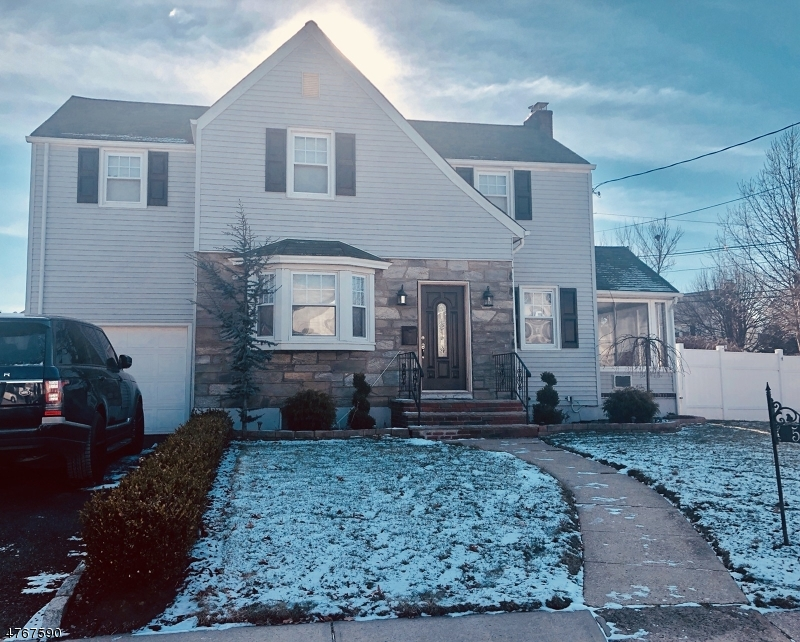 Single Family Home for Sale at 504 E Grant Avenue Roselle Park, New Jersey 07204 United States